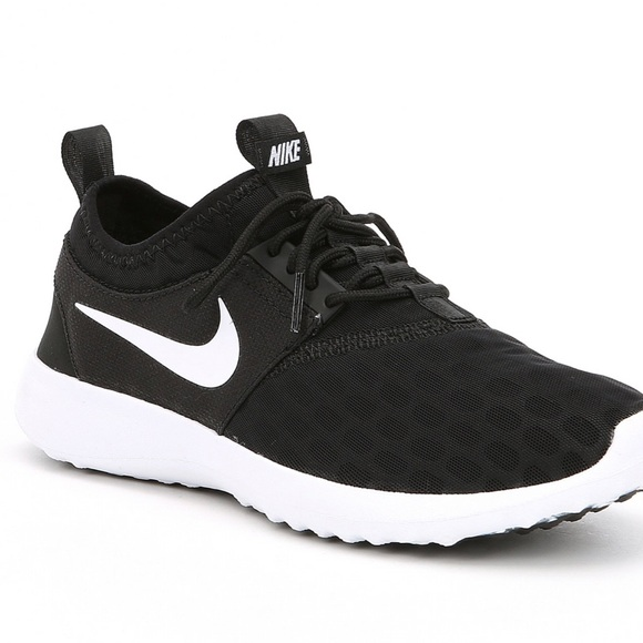 sale retailer 11cb5 7e572 Nordstrom Nike women s shoes Sz 7.5. M 5b3e698a0cb5aa5900e3059b